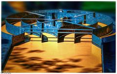 Wer braucht am wenigsten Schläge? / Who needs the least blows? (Reto Previtali) Tags: formen kanten licht farben minigolf golf spielen kinder menschen flickr freizeit sport sommer digital nikon tamron