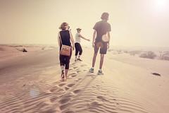 Dunes Trekking - Dubai #2 (Piotr Kowalski) Tags: dubai uae unitedarabemirates emirates dunes sand piasek pustynia dubaj emiraty wakacje summer activity trekking walk people