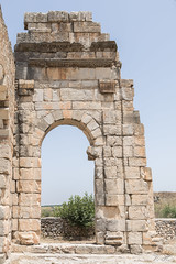 2018/07/09 12h40 ruines de Volubilis (Valéry Hugotte) Tags: 24105 antiquité maroc volubilis canon canon5d canon5dmarkiv porte romain ruines fèsmeknès ma