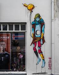 Saman (katrin glaesmann) Tags: island iceland reykjavík streetart wallart deih