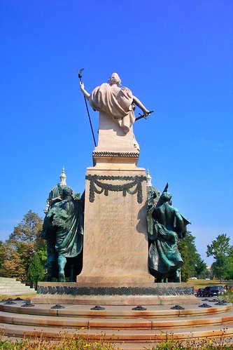 Des Moines  Iowa - Soldiers and Sailors  Monument  - Historical - State Capitol Grounds