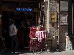 "Bologna (Italy) -  ""Il quadrilatero"" - Via Clavature (Massimo Battesini) Tags: bologna emiliaromagna italia it olympusem5markii olympus em5markii panasoniclumixgxvario35100f28 panasonic lumix panasonic35100mmf28 worldcitycenters centrostorico zentrum centreville centromedievale centremédiéval medievalcenter centromedieval città ville city stadt town ciudad photographiederue streetphotography fotografiaderua photosdelavie escenacallejera ilquadrilatero italien italy italie viaclavature europe europa mercato market marché bazar bazaar bar caffè cafe cafè café"