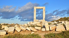 Portara temple (orientalizing) Tags: apollo archaeologicalsite archaia archaic architecture cyclades doorway greece islands lygdamis marble masonry monumental naxos palatia sanctuaryofdelianapollo walls