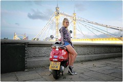 LG 63 HKW (Steve Lundqvist) Tags: portrait persone ritratto street road crossroad streetphotography strada sidewalk english london londra inghilterra england uk britain british life mood location people atmosphere lifestyle shooting leica q bridge low light motorbike bike vespa piaggio code thames