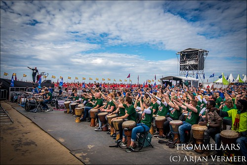 """Four Horizons - 2000 drummers at sea • <a style=""""font-size:0.8em;"""" href=""""http://www.flickr.com/photos/49926820@N08/43883216394/"""" target=""""_blank"""">View on Flickr</a>"""