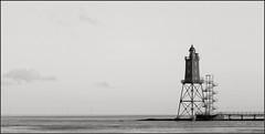 main travelled roads (motorhand2) Tags: cappel deutschland dorumerneufeld niedersachsen deu obereversand dorum weser nordsee northsea leuchtturm watt strand schwarzweis bw motorhand lighthouse motorhand2 matthias