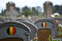 In Flanders' fields. (L_u_c) Tags: flanders belgium cemetery war grave remembrance memory nikon nikond7500