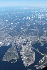 Tampa (zeesstof) Tags: zeesstof vacation photoassignment flight commercialflight houstontoorlando florida unitedairlines tampa city citycenter