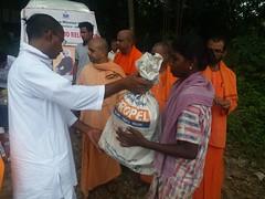 "Kerala Flood Relief (24) <a style=""margin-left:10px; font-size:0.8em;"" href=""http://www.flickr.com/photos/47844184@N02/44251949031/"" target=""_blank"">@flickr</a>"