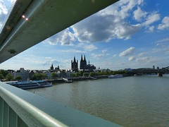View of Cologne with Cologne Cathedral and Hohenzollern Bridge (libra1054) Tags: köln cologne colonia colognecathedral hohenzollernbridge rhine rhein rin rhin reno nrw germany 7dwf landscapes paisajes