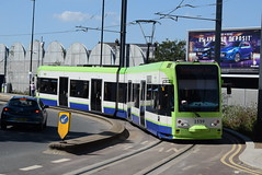 CT 2539 @ West Croydon bus station (ianjpoole) Tags: croydon tramlink bombardier cr4000 2539 working service from west beckenham junction