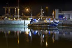 La Turballe (Didier Ensarguex) Tags: laturballe port portique réflexionreflet bateauxdepeches bretagne breizh didierensarguex canon 5dmarkiv 2470 lumieres nuit eau