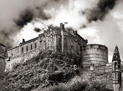 Edinburgh Castle (albireo 2006) Tags: scotland uk edinburghcastle edinburgh blackwhitephotos blackandwhite blackandwhitephotos blackwhite bw bn castle