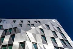 Rennes : Urban Quartz (Hervé Marchand) Tags: rennes bretagne bâtiment urbanquartz fenetre ciel perspective pov lignes diagonal