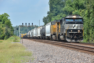 Ns 6938 hauls can down the Chester Sub.