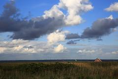 house (Rasande Tyskar) Tags: denmark dk dänemark hvide sande nature sky natur himmel fjord haus hpuse distance horizon horizont