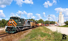 2/2 UP 1983 Leads SB Military Containers Paola, KS 9-15-18 (KansasScanner) Tags: kansascity missouri kansas chiles paola coffeyvillesub up westernpacific wp up1983 train railroad
