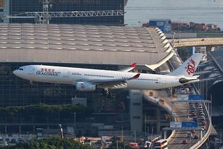 B-HYF, A330-300, Dragonair, Hong Kong