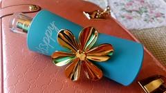 Happy Moments de Tous_ (Gabriela Andrea Silva Hormazabal) Tags: perfumes perfume parfum eaudeparfum happymomentstous celeste flor oro dorada calipso turquesa bottel botella