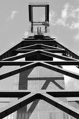 Zeche Zollverein I (Stefan Markus) Tags: nikond5300 nikon germany deutschland northrhinewestphalia nordrheinwestfalen 35mm f18 dx architektur himmel geometrisch gebäude blackandwhite linien glück auf