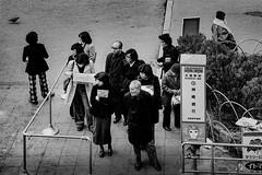 bus stop 609 (soyokazeojisan) Tags: japan osaka city street bw blackandwhite monochrome analog olympus m1 om1 100mm film trix kodak memories 昭和 1970s 1975