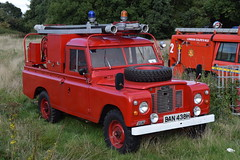 1st Defence - BAN438H (matthewleggott) Tags: 1st defence fire rescue engine appliance ban438h land rover sun riv