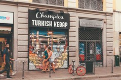 turkish kebap. (Nicole Favero 游婉情) Tags: verde milan love amazing mine cute cool street photography architecture people famous place capital italy forever follow me nicolefavero nicky nikon nikond5000 camera reflex galleria vittorioemanuele duomo milano open air streetphotography applestore famousplace orange tram atm transport city