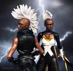 Munroe Mohawks (AaronMalibu) Tags: exclusive toysrus jubilee 2014 2018 ororo apocalypse action figure marvellegends storm
