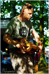 "Hurdy Gurdy Musician, Festival ""Le Son Continu"", 2018 ([JBR]) Tags: hurdygurdy vielleàroue musique music musicien lesoncontinu trad folk france jbrphotography pentax 2018"