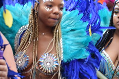 DSC_7743 Notting Hill Caribbean Carnival London Exotic Colourful Blue and Turquoise Costume and Ostrich Feather Headdress Girls Dancing Showgirl Performers Aug 27 2018 Stunning Ladies (photographer695) Tags: notting hill caribbean carnival london exotic colourful costume girls dancing showgirl performers aug 27 2018 stunning ladies blue turquoise ostrich feather headdress