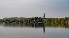 Bistumshöhe (Reflexion) (Lutz.L) Tags: natur neuseenland wasser see reflexion leipzig leipzigerneuseenland cospudenersee outdoor turm aussichtsturm