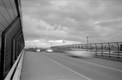 Trepidación (oscam.cl) Tags: olympus om2n vivitar 28mm 28 fujifilm neopan acros 100 rodinal 150 film