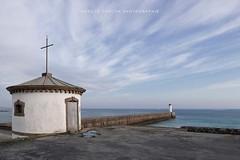 La Chapelle et le phare  Audierne - Finistère (Nadège Gascon) Tags: chapelle lumix ngphotographe landscape paysage bretagne finistere audierne phare