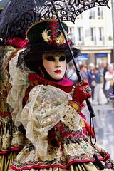 RENCONTRES BEAUVENITIENNES 032 (aittouarsalain) Tags: venise beauvais masque carnaval portrait chapeau