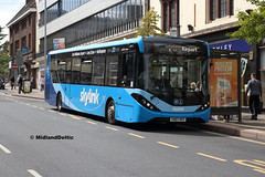 TrentBarton 128, Friar Lane Nottingham, 13-08-2018 (MidlandDeltic) Tags: trentbarton wellglade alexanderdennis enviro200mmc bus gb yx67vff nottingham