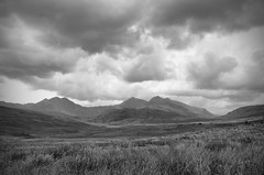 Moody Wales Mono (StuMcP) Tags: snowdon snowdonia wales north clouds moody field ankledeepinpoo mountains a4086 stuartmcpherson canon5dmkiii 1740l