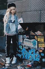 trash VI (AzureFantoccini) Tags: bjd abjd balljointeddoll doll dollhouse miniature room sd13 supia jiin trash rubbish garbage street graffiti diorama sport