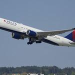 Delta Air Lines Boeing 767-300; N155DL@ZRH;20.08.2018 thumbnail