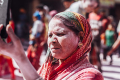 Gulal-Covered Woman, Holi in Vrindavan India (AdamCohn) Tags: abeer adamcohn hindu india vrindavan gulal holi pilgrim pilgrimage अबीर गुलाल होली