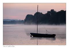 Lumière matinale sur le fleuve roi (Bruno-photos2013) Tags: loireatlantique loire paysageligérien paysage paysdeloire brume bretagne brouillard reflets reflexion sunrise leverdujour barque river