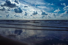 20180811_170924 (durr-architect) Tags: north sea beach castricum zee sand clouds people water light