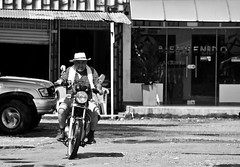 La Macarena - Colombia (Silvia Sagone) Tags: streetphotography bnw colombia