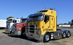 Kenworth K104B (quarterdeck888) Tags: trucks photos truckphotos australiantrucks outbacktrucks workingtrucks primemover class8 overtheroad interstate frosty quarterdeck jerilderietrucks jerilderietruckphotos flickr bdoubles lorry bigrig highwaytrucks interstatetrucks nikon truck kenworth kenworthclassic kk kenworthclassic2018 truckshow truckdisplay workingclasstrucks noprizes k104b aerodyne