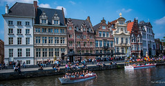 2018 - Belgium - Gent - Grass Quay (Ted's photos - Returns Late November) Tags: 2018 belgium cropped ghent nikon nikond750 nikonfx tedmcgrath tedsphotos vignetting buildings oldbuilding riverleie riverleieghent ghentbelgium umbrellas river canal cafes people boats