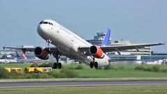 OY-KBH (AnDyMHoLdEn) Tags: sas scandinavian a321 staralliance egcc airport manchester manchesterairport 23l