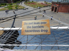 Do not lean over (c_nilsen) Tags: cuttysark ship clippership london unitedkingdom england teaclipper signs