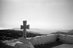 Pyrgos - Cross (•Nicolas•) Tags: analog bw film fp4 greece holidays ilford ilfosol leica m4p nb pellicule vacances cross croix pyrgos nicolasthomas