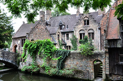 House in Bruges (lemiefotosu) Tags: bruges house architecture water green verde casa acqua canale windows finestra belgio fiandre