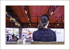 Regarder... (Panafloma) Tags: 2018 architecturebatimentsmonuments bâtiments couleurs détailsarchitecturaux evènements fr famille france géographie hautsdefrance loosengohelle nadine nadinebauduin natureetpaysages objetselémentsettextures personnes portraitposeanonymes techniquephoto végétaux couleur ducasse femme fête fêteforaine manège photoderue province streetphoto streetphotography structure structuresmétalliques