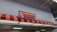 Dunkin Donuts (Albany, New York) (jjbers) Tags: crossgates shopping plaza albany new york june 30 2018 dunkin donuts walmart supercenter fast food discount grocery store commons